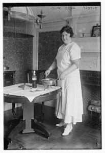 Olive_Kline_in_1917_at_her_home